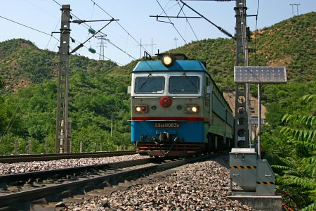Mobile Top-of-Rail application system for The Shuohuang Railway